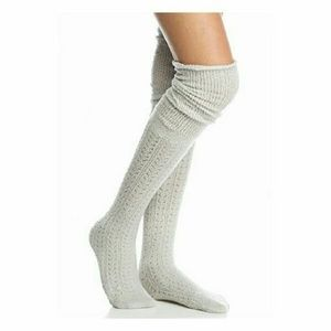 FREE PEOPLE Dove Gray Bowery Ovr Knee socks Free🎁